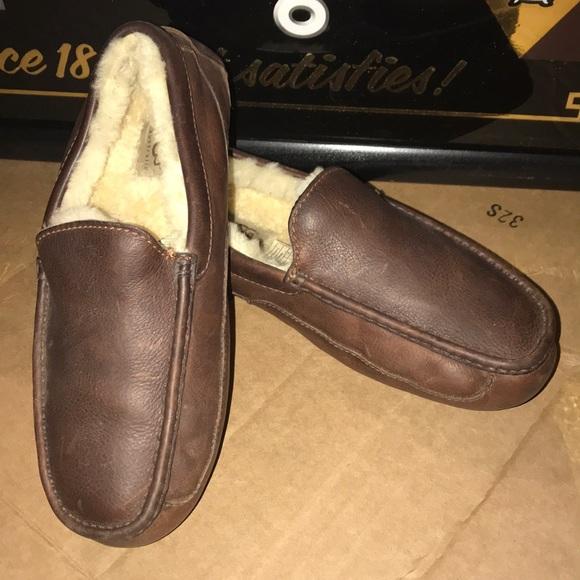 35c651530b2 UGG Australia men s Brown Leather Ascot Slipper. M 5bd60aaf035cf169f3bd4fcf